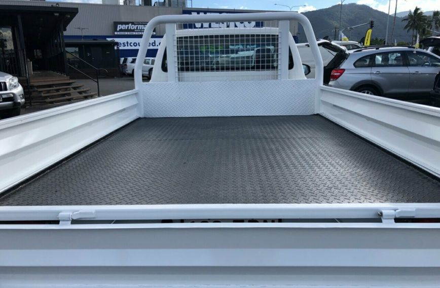 2015 TOYOTA HILUX SR  GUN126R Turbo CAB CHASSIS Single Cab