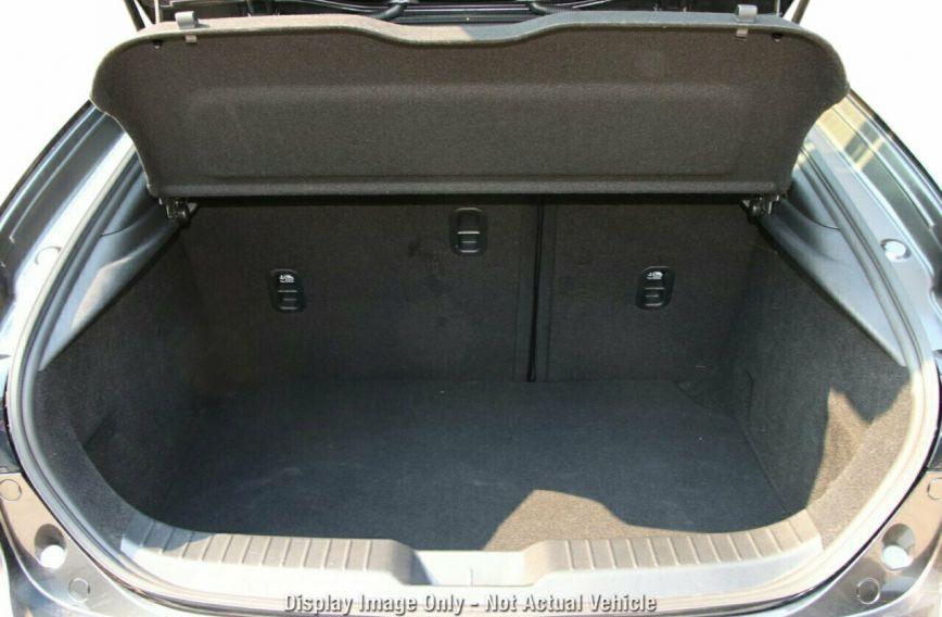 0 MAZDA 3 G20 Touring BP2H7A  Hatchback