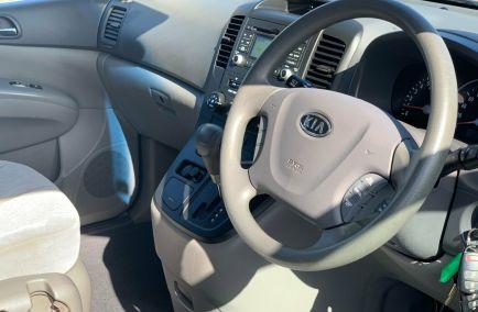 2010 KIA GRAND CARNIVAL Si  VQ  Wagon
