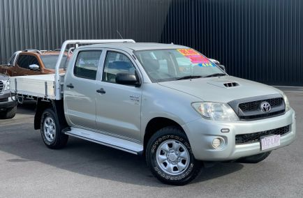 Used 2008 TOYOTA HILUX KUN26R Cab Chassis 4dr SR Dual Cab Man 5sp 4x4 3.0DT 970kg