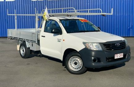 Used 2014 TOYOTA HILUX TGN16R Cab Chassis 2dr Workmate Single Cab Man 5sp 4x2 2.7i 1405kg