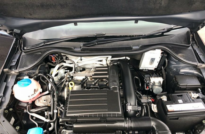 2016 VOLKSWAGEN POLO 66TSI Trendline 6R Turbo Hatchback