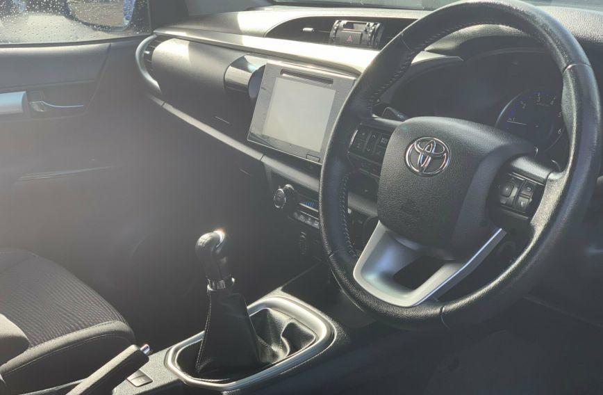 2016 TOYOTA HILUX SR5  GUN126R Turbo Extended Cab Utility