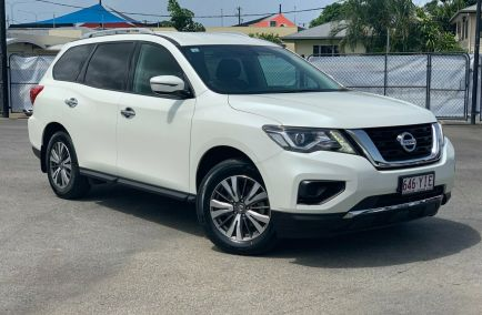 Used 2017 NISSAN PATHFINDER R52 Series II Wagon 5dr ST 7st X-tronic 1sp 2WD 3.5i