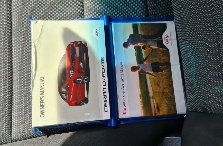 2017 KIA CERATO Sport  YD  Hatchback