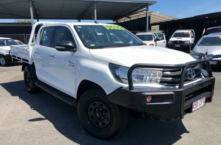 Used 2016 TOYOTA HILUX GUN126R Cab Chassis 4dr SR Double Cab Man 6sp 4x4 2.8DT 1045kg