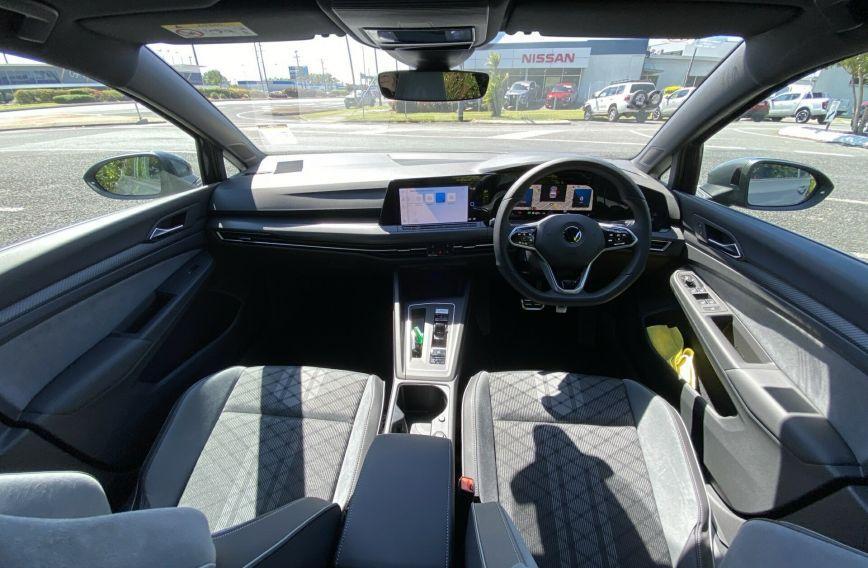 2021 VOLKSWAGEN GOLF 110TSI R-Line 8 Turbo Hatchback