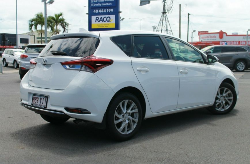 2015 TOYOTA COROLLA Ascent Sport  ZRE182R  HATCHBACK