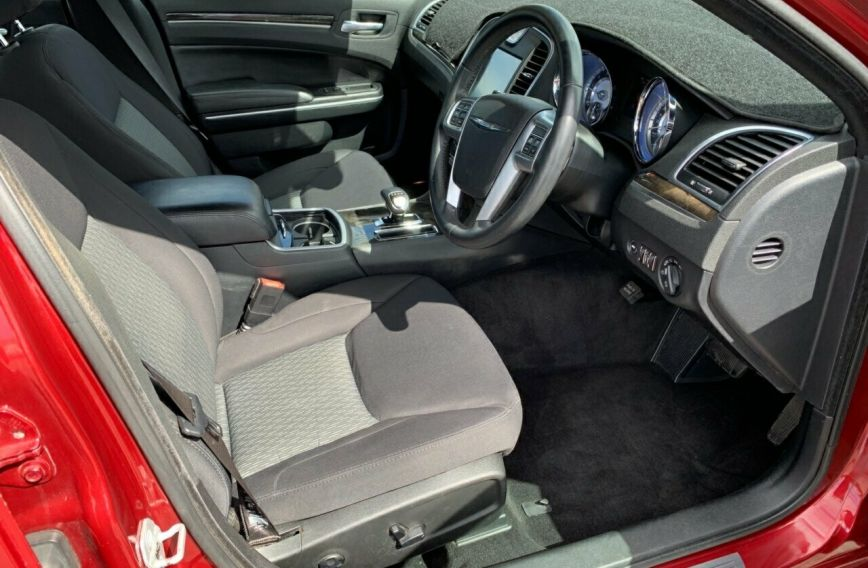 2012 CHRYSLER 300 Limited  LX  SEDAN