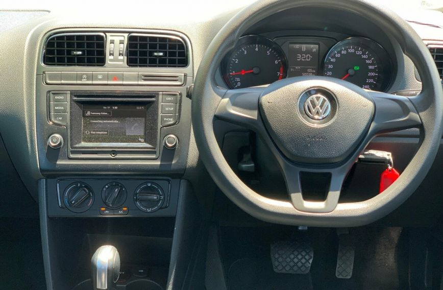 2015 VOLKSWAGEN POLO 66TSI Trendline 6R Turbo HATCHBACK