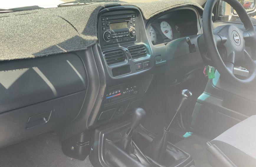 2012 NISSAN NAVARA ST-R  D22 Turbo Dual Cab Utility